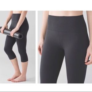 Lululemon Flow and Go seamless crops